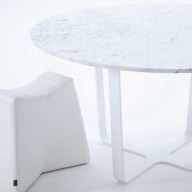 trace-splay-1400-diameter-white-marble-top-with-leather-pinch-stool