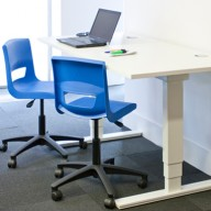 postura-plus-task-chair-01-display