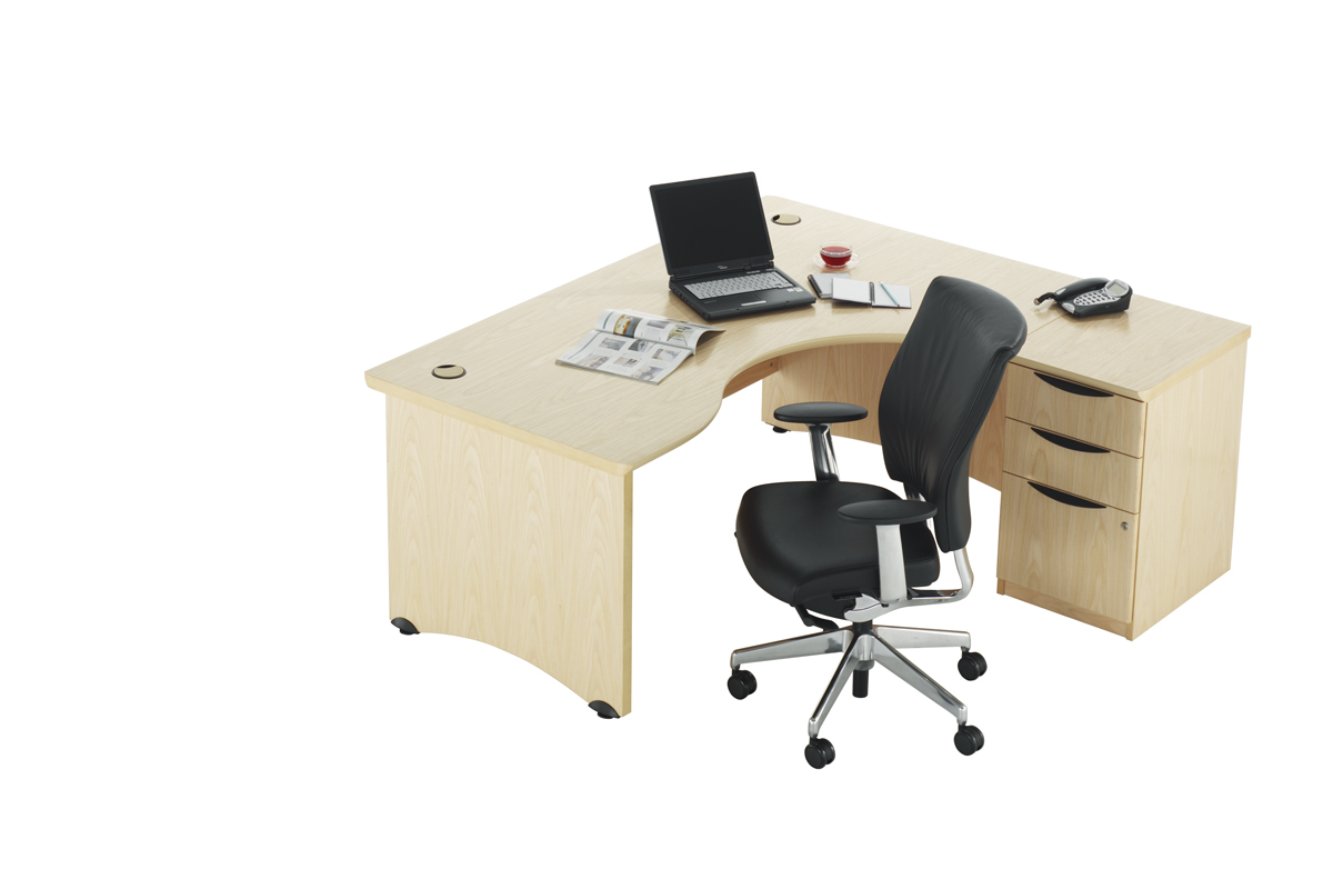 Accolade Desking | Richardsons Office Furniture and Supplies