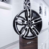 Overfinch Landrover Office Furniture (23)